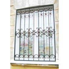 Кованая решетка на окно арт. 046170