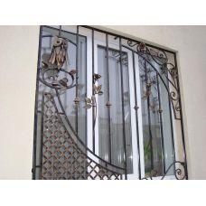 Кованая решетка на окно арт. 046179