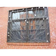 Кованая решетка на окно арт. 046184