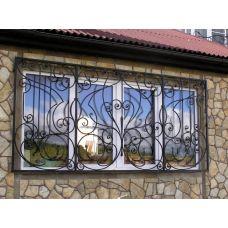 Кованая решетка на окно арт. 046190