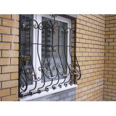 Кованая решетка на окно арт. 046176